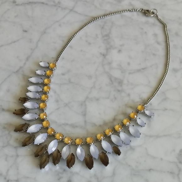 🌼 NWOT Banana Republic multi-tone necklace